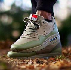 release date a2f42 0394c Nike Air Max 1