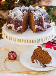 Espresso Gingerbread Bundt Cake - A delicious cake perfect for the holiday season Cupcakes, Cupcake Cakes, Bundt Cakes, Mini Cakes, Easy No Bake Desserts, Delicious Desserts, Sweet Desserts, Yummy Food, Cake Recipes