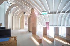 La Cité du Vin wine museum by XTU Architects Bordeaux France Museum Architecture, Futuristic Architecture, Interior Architecture, Interior Design, Bordeaux Wine, Bordeaux France, Wine Design, Design Blog, Store Design