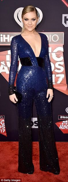 Photos stars aux IHeartRadio Music Awards 2017 à Los Angeles :