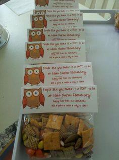 treat bag a hoot closeup. People like you make it a hoot to . Teacher Treats, School Treats, Teacher Gifts, Teacher Desks, Teacher Stuff, Cute Crafts, Crafts For Kids, Summer Crafts, Owl Theme Classroom