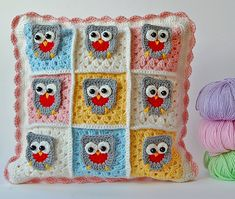 Owl granny square pillow - link to free tutorial