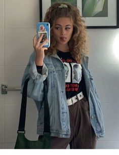 hair inspo Curly hair, outfit - LadyStyle, Source by darcymaravillangwo alla moda Mode Outfits, Retro Outfits, Grunge Outfits, Grunge Fashion, Look Fashion, 90s Fashion, Trendy Outfits, Vintage Outfits, Fashion Outfits