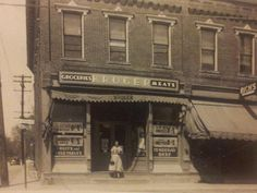 Sometime around 1940 showing the Kroger store on Jackson St with the river to the left - Loveland Old Pictures, Old Photos, Vintage Pictures, Loveland Ohio, Moving To California, Good Ole, Historical Photos, Cincinnati, River