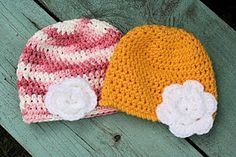 Crochet baby hat pattern - with brim and without ~