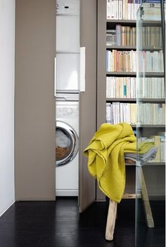 Compact laundry on pinterest small laundry space - Rangement dessus lave linge ...