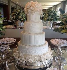 New Wedding Table Luxury Beautiful 55 Ideas Elegant Wedding Cakes, Beautiful Wedding Cakes, Beautiful Cakes, Trendy Wedding, Wedding Cakes With Cupcakes, Wedding Cookies, Wedding Cake Prices, Cake Trends, Cake Pictures