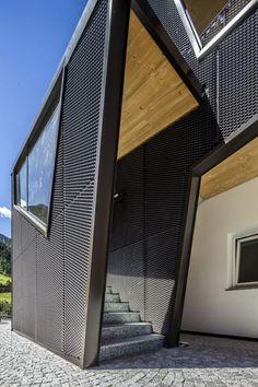 Schon Moderne Architektur Trifft Auf Idyllische Bergwelt. Wie Erzeugt Man Einen  Reizvollen Kontrast? Indem Man