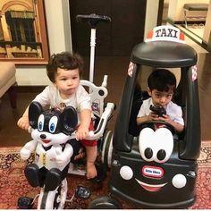 AbRam and Taimur played with a dozen toy cars at Karan Johar's twins Yash and Roohi's birthday party Bollywood Celebrities, Bollywood Actress, Taimur Ali Khan, Very Cute Baby, Baby Boy Dress, Karan Johar, Kareena Kapoor Khan, Maternity Photography, Cute Babies