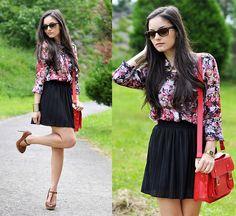 Black & Floral... (by Alba .) http://lookbook.nu/look/3742711-Black-Floral