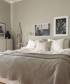 Scandinavian Bedroom | greige | Fouremptywalls