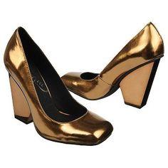 Vogue Women's Clever Edge Shoe