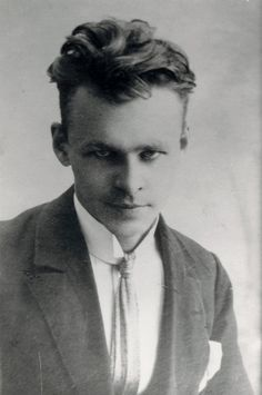 """'Heroes and Bystanders' by Nicholas Kristof. """"ONE of the great heroes of the 20th century was Auschwitz prisoner No. 4859, who volunteered to be there. Witold Pilecki, an officer in the Polish resistance to the Nazi regime, deliberately let himself be captured by the Germans in 1940 so that he could gather information about Hitler's concentration camps."""""""