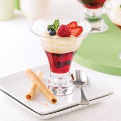 Verrines aux petits fruits et pouding à la vanille - Desserts - Recettes 5-15 - Recettes express 5/15 - Pratico Pratique