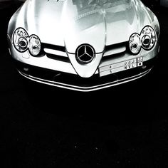 If looks could kill... The Mercedes-Benz McLaren SLR. Photo shot by @bwali1.   #MercedesBenz #MercedesMcLaren #McLaren #SilverArrow #amazingcars247 #SLR #C199 #mbcar #DrivingPerformance