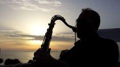 Fotografi matrimonio Napoli. Musica al matrimonio. Atmosfere romantiche di un matrimonio in costiera