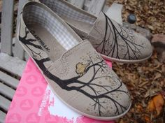 diy painted canvas shoes | diy painted canvas shoe inspiration | Shoe Designs