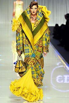 Christian Dior Fall 2004 Ready-to-Wear Fashion Show - Gisele Bündchen