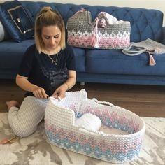 Crochet Basket Pattern, Easy Crochet Patterns, Baby Knitting Patterns, Crochet Designs, Baby Patterns, Diy Crochet And Knitting, Crochet For Kids, Love Crochet, Crochet Baby