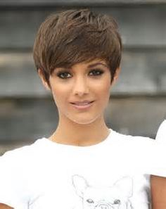 Easy Brown Pixie Hairstyles for Fall: Frankie Sandford Short Haircut ...