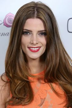 Ashley Greene's Winning Look: Get Her Healthy, Glossy Hair Celebrity Long Hair, Celebrity Beauty, Ashley Greene Hair, Brunette Beauty, Hair Beauty, Daily Beauty Tips, Lighter Hair, Glossy Hair, Actrices Hollywood
