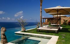 Villa Ambar's cliff edge infinity pool can also be fenced for extra child safety if required. #semarauluwatu #bali