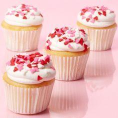 Esta receta es para hacer unos cupcakes sencillos, esponjocitos y muy ricos, con un delicioso betún de queso crema.