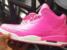 "Mandy White Receives Exclusive ""Hot Pink"" Air Jordan 3s"