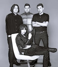 For a minute there I thought that Jamie was wearing flares :')