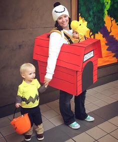 Snoopy and Woodstock baby wearing costume…. oh my cuteness! Snoopy and Woodstock baby wearing costume…. oh my cuteness! Snoopy Halloween, Halloween Kostüm, Family Halloween, Halloween Couples, Homemade Halloween, Fairy Halloween Costumes, Cute Costumes, Family Costumes, Baby Costumes