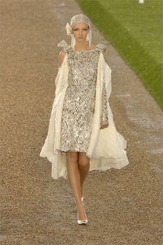 Chanel Fall 2007 Couture Fashion Show - Anna Barsukova