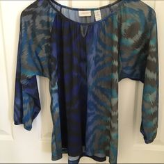 Chicos blouse size 1 Pretty Chicos blouse size 1 Chico's Tops Blouses