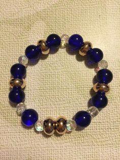 Pulsera elástica con piedras azules