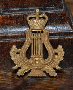 Antique Englsih Royal Army Badge Musician Lyre and Crown