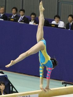 イメージ 12 Artistic Gymnastics, Gymnastics Girls, Gymnastics Photography, Gymnastics Pictures, Balance Beam, Female Gymnast, Rhythmic Gymnastics Leotards, Olympic Sports, Athletic Women