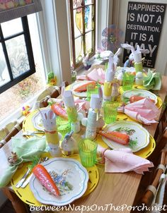Whether you're planning your Easter celebrations for just your own immediate family or an extended gathering of friends and family, a beautiful table arrangement really sets the scene for a perfect Easter celebration..Here are some creative ideas..
