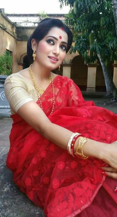 Sudipta Banerjee Being Married-Sasi Pradha Beautiful Girl Indian, Beautiful Saree, Beautiful Indian Actress, Indian Bridal Sarees, Indian Beauty Saree, Indian Navel, Bengali Bride, Elegant Saree, Saree Styles