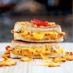 The Mac & #Cheese Grilled Cheese!