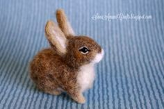 Needle felted baby bunny by SaniAmaniCrafts.d… on Needle felted baby bunny by SaniAmaniCrafts. Needle Felting Kits, Needle Felting Tutorials, Needle Felted Animals, Wet Felting, Felt Animals, Cute Animals, Felt Fox, Felt Bunny, Baby Bunnies
