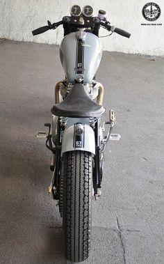 Triumph-Bobber-11-1-187x300