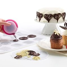 The greatest kit we have seen to help one create chocolate toppers and decorations for cakes, cookies and cupcakes. Chocolate Toppers, Chocolate Filling, Chocolate Decorations, Cake Decorating Tools, Candy Making, Baking Tools, Baking Sheet, Love Cake, Dessert Recipes