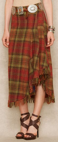 Love Ralph Lauren s take on the plaid skirt. Like a cosy blanket but still feminine and romantic. Tartan Fashion, Love Fashion, Autumn Fashion, Fashion Outfits, Womens Fashion, Long Plaid Skirt, Plaid Skirts, Textiles, Tartan Mode