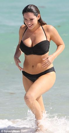 Model Kelly Brook.. SwimSuit Campaign for Curvy Girls!!!