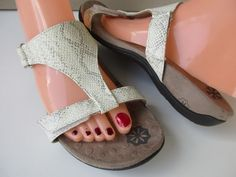 ea8aa7db072b Vionic Orthaheel Molly Womens Size 8 Snake Flipflop Sandals  Orthaheel   FlipFlops  Casual Shoes