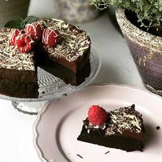 Kaka, Fudge Brownies, Smoothies, Nom Nom, Desserts, Recipes, Milkshakes, God, Chocolate Chip Brownies