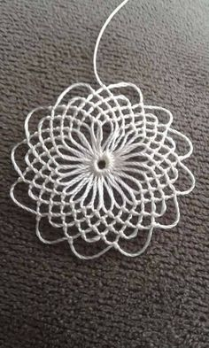 Diy Crafts - lace,Making-Easy Ring Lace Making 2 - Easy lace Making Ring Crochet Motifs, Crochet Doilies, Crochet Flowers, Crochet Lace, Crochet Patterns, Needle Lace, Bobbin Lace, Crochet Decoration, Hairpin Lace