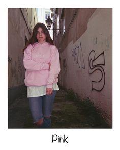 P I N K  www.olddogs.es  . @claudiaburgos8  @errecebe  #streetwear #fashion #hypebeast #sweater #coruña #galicia #girl #homies #dogtown #rap #skate #surf #hiphop #olddogs