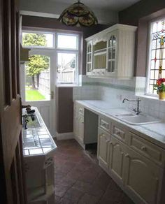 Small Galley Kitchens | Small Galley Kitchen Makeover - Channel4 - 4Homes