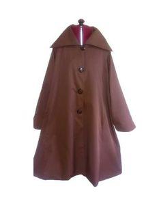 Gabardina marrón estilo retro