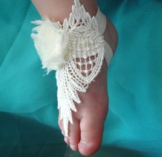 Sandals Barefoot Sandals Baby Barefoot by PetalnPearlBoutique Baby Girl Shoes, My Baby Girl, Baby Kind, Baby Love, Shabby Chic Baby, Bare Foot Sandals, Ivory Sandals, Little Doll, Baby Feet